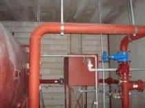 Fehlerhafte Wartung einer Sprinkleranlage führte zu einem Wasserschaden.